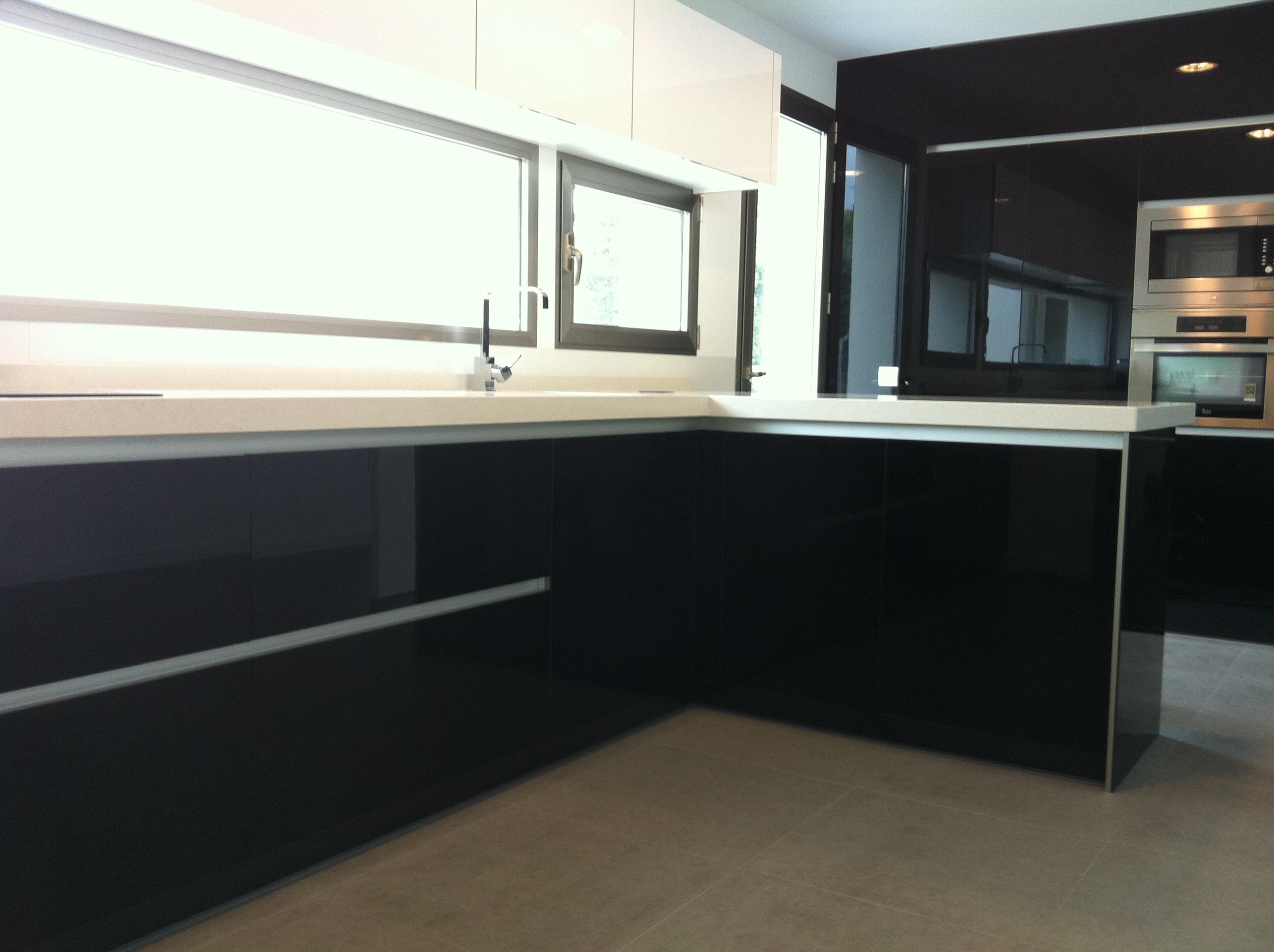 Muebles valdecocina cocinas de formica for Puertas de cocina formica