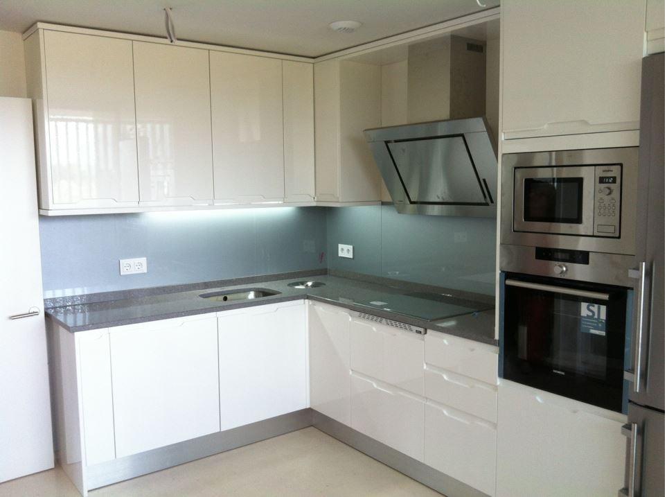 Muebles valdecocina cocinas de pvc for Material cocina